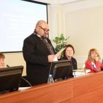 Изнасяне на пленарен доклад